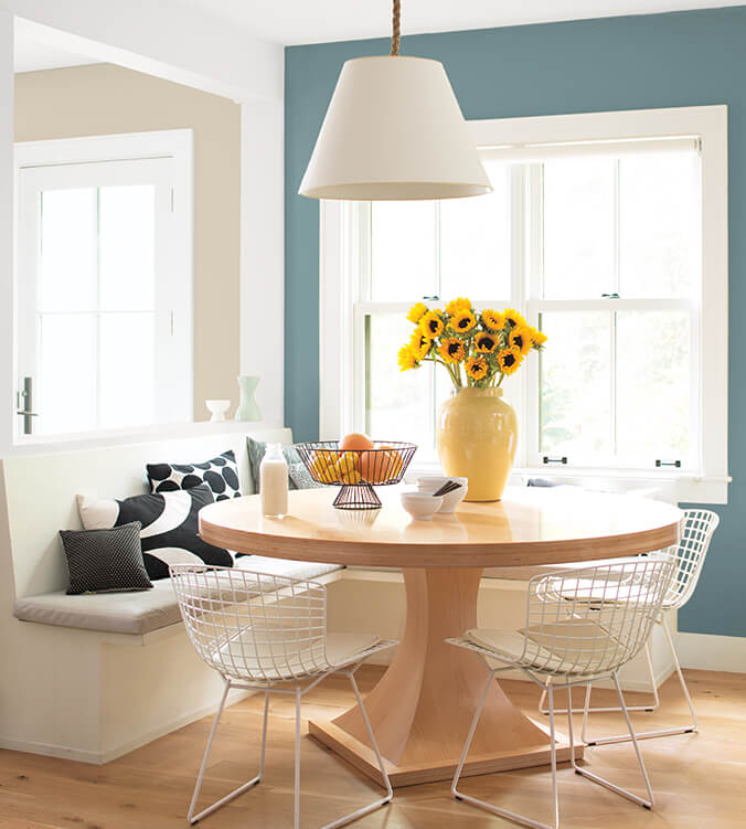 12 BenjaminMoore ColorTrends 2021 Breakfast AegeanTeal 676X751